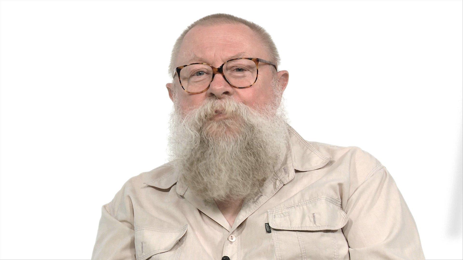 """""""O mówieniu i rozmawianiu"""" z wybitnym językoznawcą  profesorem Jerzym Bralczykiem"""