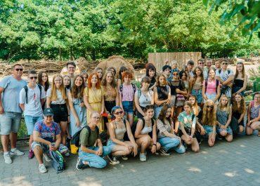 Uczniowie z Zana na wycieczce we wrocławskim zoo